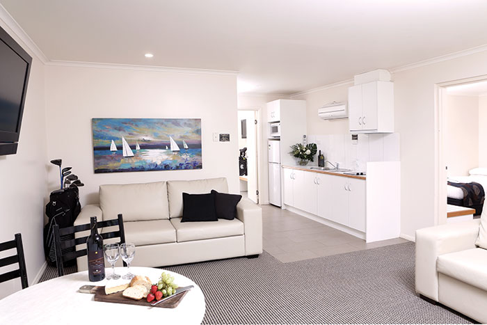 self contained apartments swan hill