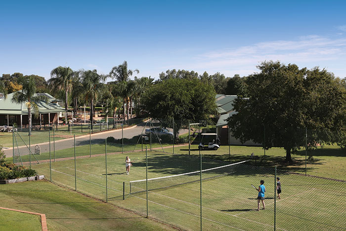 resort lawn tennis court